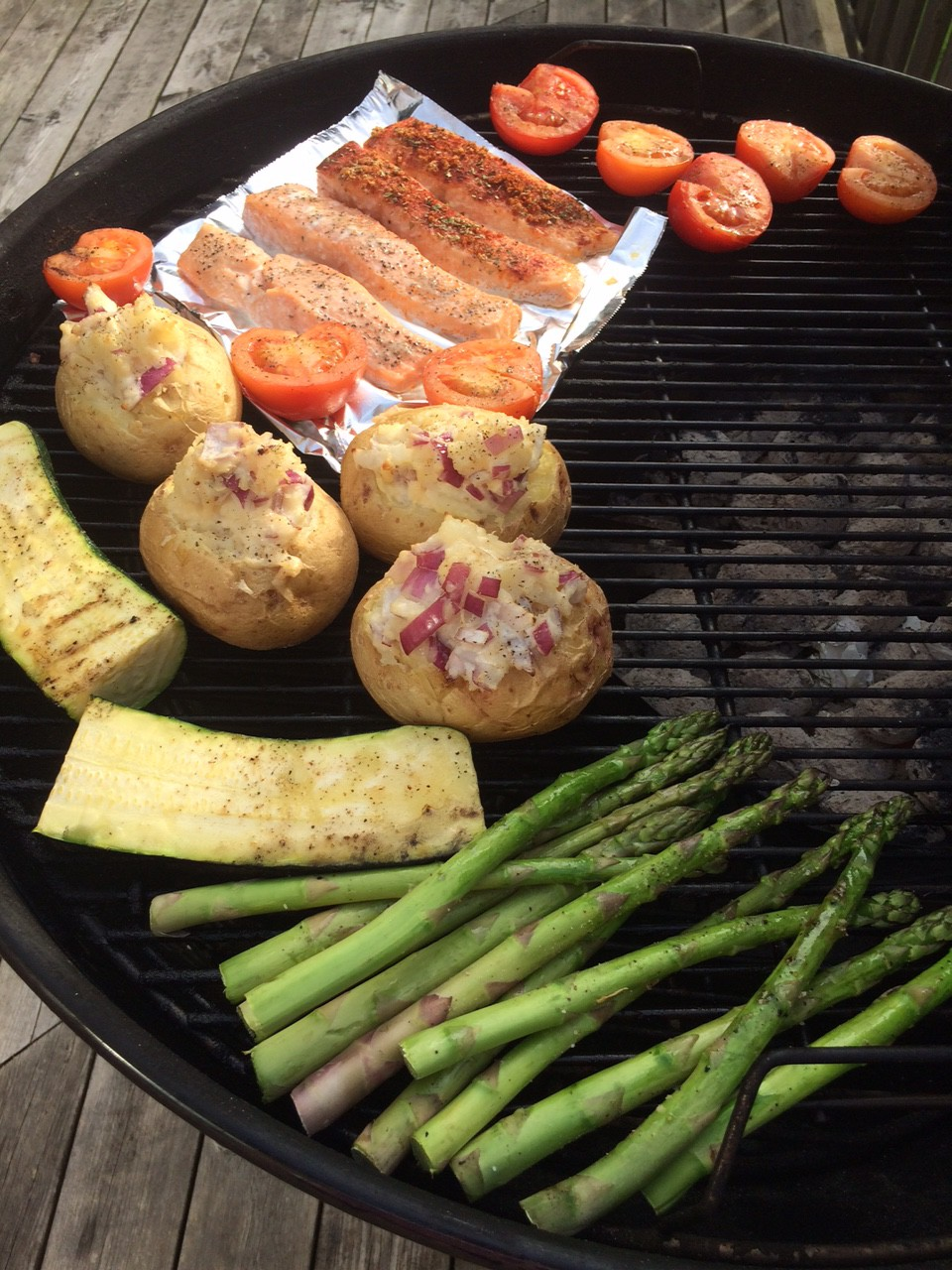Grillbaronens klassiker: Grillad lax med bakpotatis