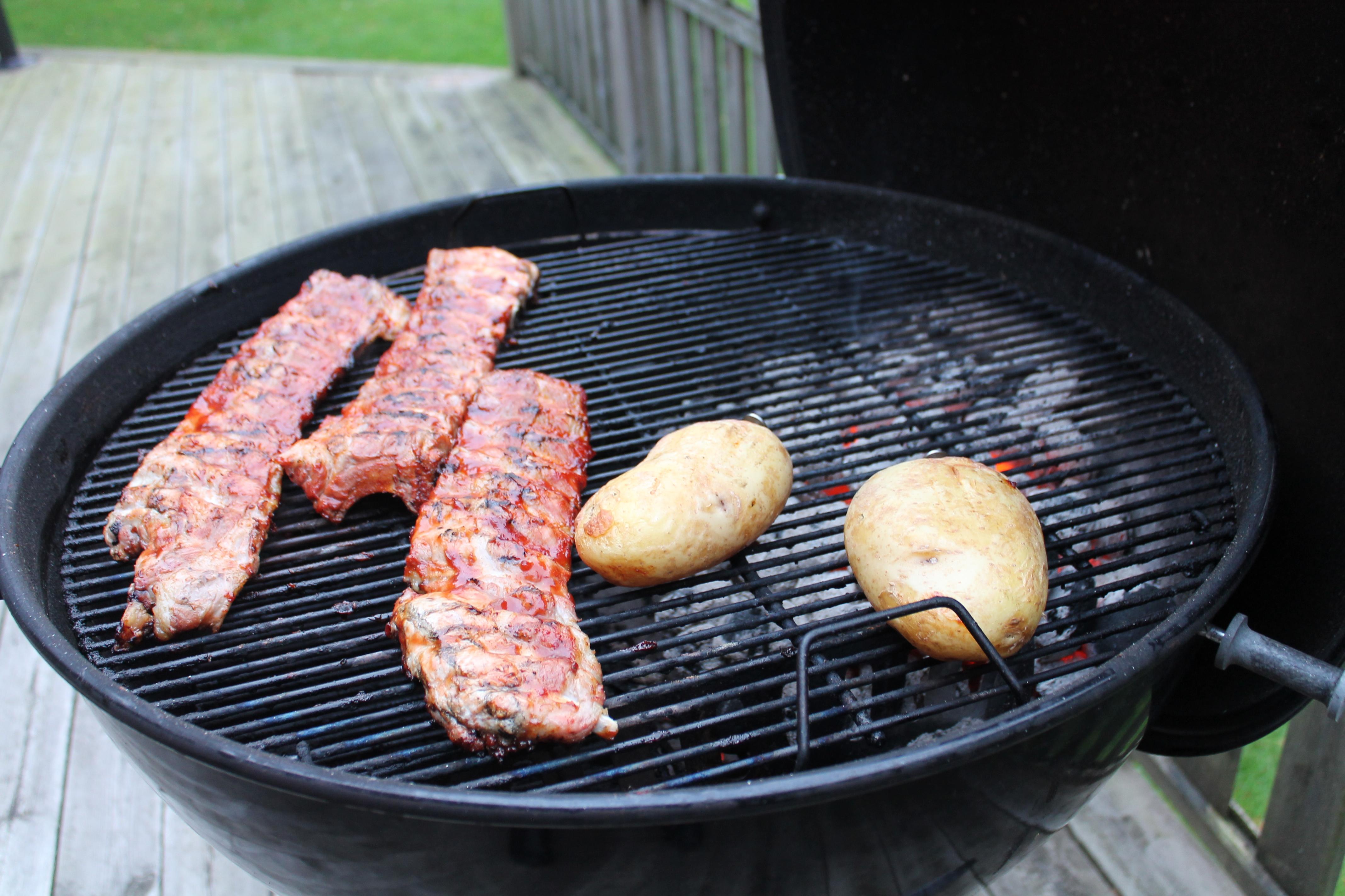 Dagens grill: Kamben med bakad potatis och Cole Slaw