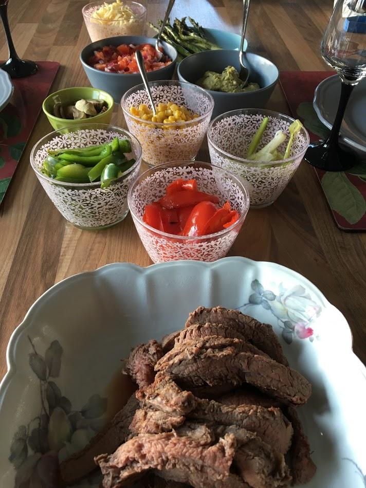 Tacos med flankstek och grillade grönsaker