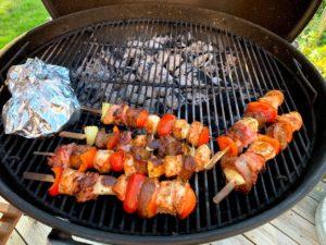 Grillspett med vildsvin och kyckling