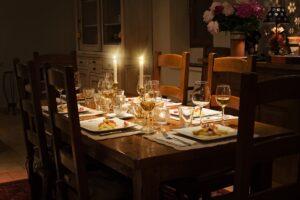 Den perfekta kvällen med middag och online casino